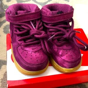 Nike toddler shoes - Great Condition!